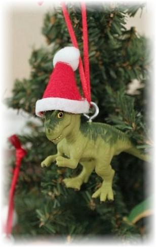 dinozavr-igrushka-na-elku