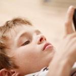 child-smartphone